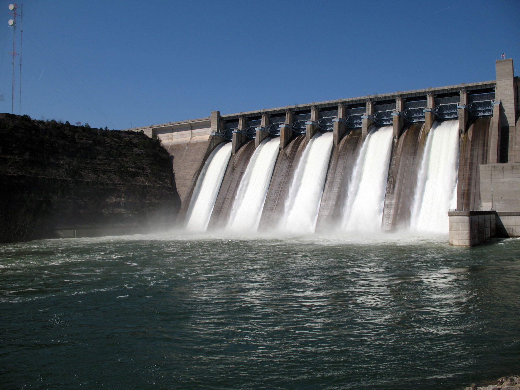 hydroelectric-dam