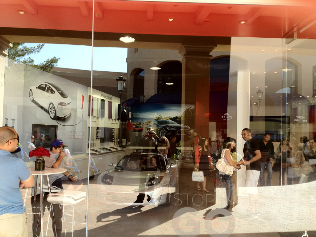 Minnesota Dealers Oppose Tesla Stores Opening Propose New