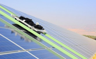 Ecoppia E4 Robots Increase Solar Panel Efficiency by up to 35%