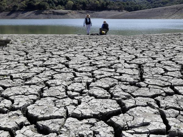 the major negative effects of drought to the country people and environment Find long and short essay on drought for children and students  effects of drought include  their place has caused a major misbalance in the environment.