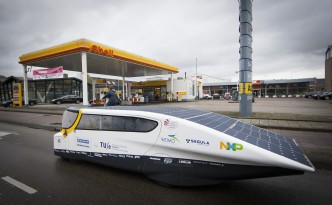 """The Stella"" 500-Mile Range Solar Powered Electric Vehicle"