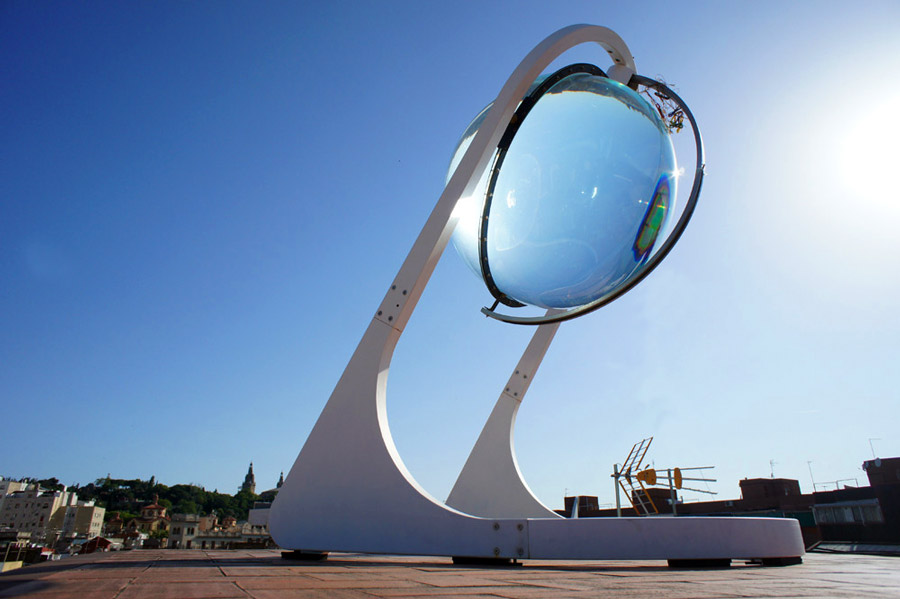 Beta Ray Spherical Collector That Combines Photovoltaic