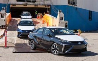 World's First 300+mi ZEV - 2016 Toyota Mirai Hits the Docks in California.