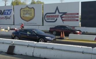 tesla-model-s-drag-race