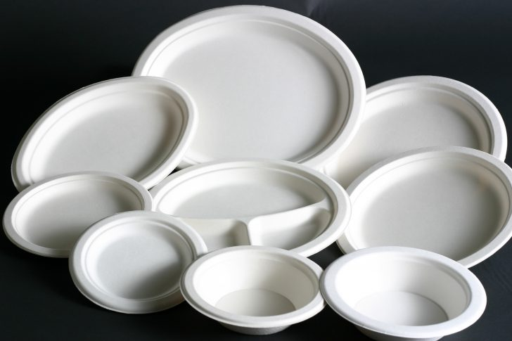 plastic-dishes