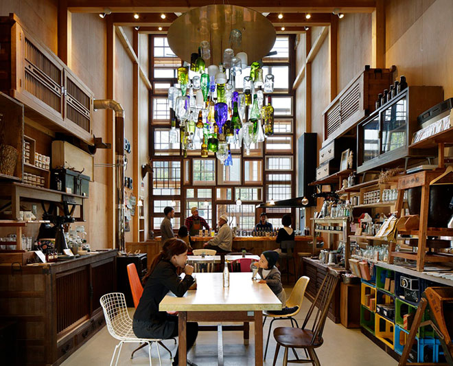 Japanese Pub Made From Recycled Materials In A Zero Waste Town The Green Optimistic